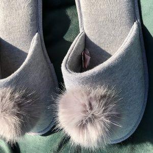 VS Gray Pom Pom Slippers